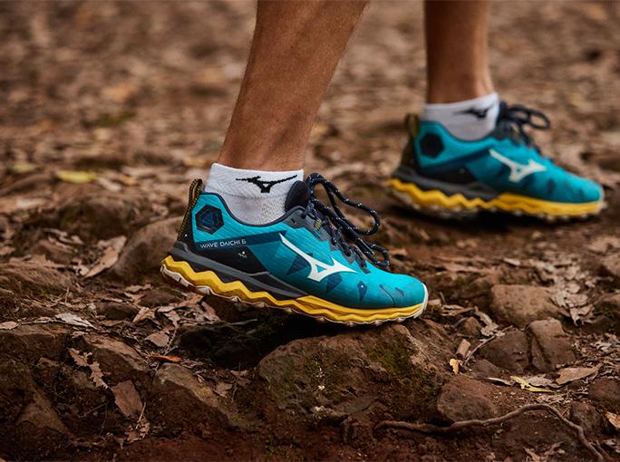 Usar unas buenas zapatillas de trail es fundamental para entrenar con seguridad y aumentar el rendimiento